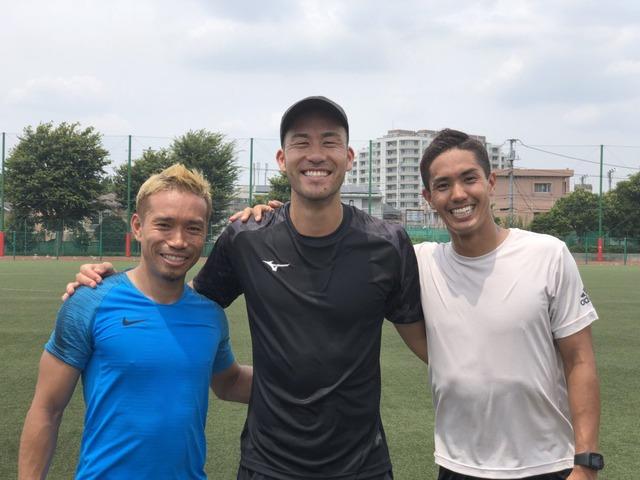 ◆海外組◆長友佑都が吉田麻也・武藤嘉紀とトレーニング中のスリーショットUP!
