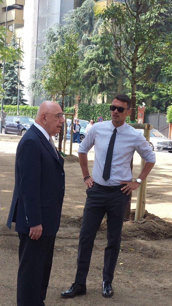 ◆セリエA◆朗報?犬猿の仲ACミラン副会長ガリアーニとパオロ・マルディーニが仲直り?イベントでツーショットで会話