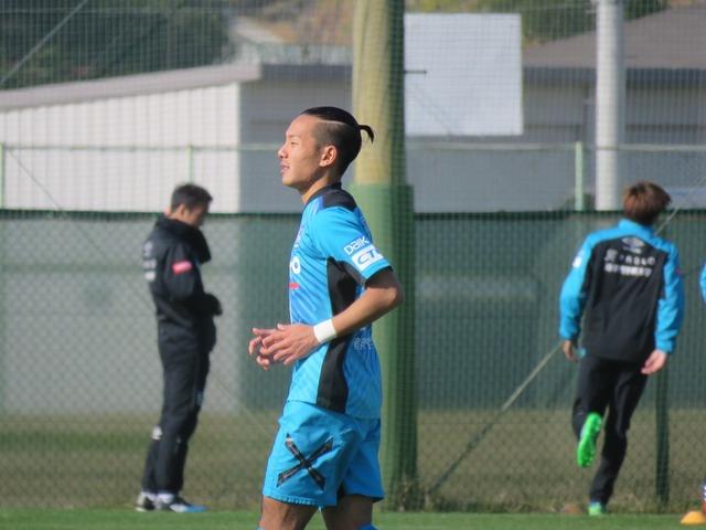 ◆画像◆G大阪MF井手口陽介の新髪型が完全に鄭大世で糞ワロタwwwww