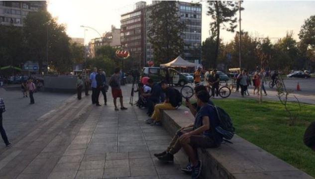 ◆悲報◆チリの『アーセナルよサンチェスを放出しろデモ』10人も集まらずあえなく中止