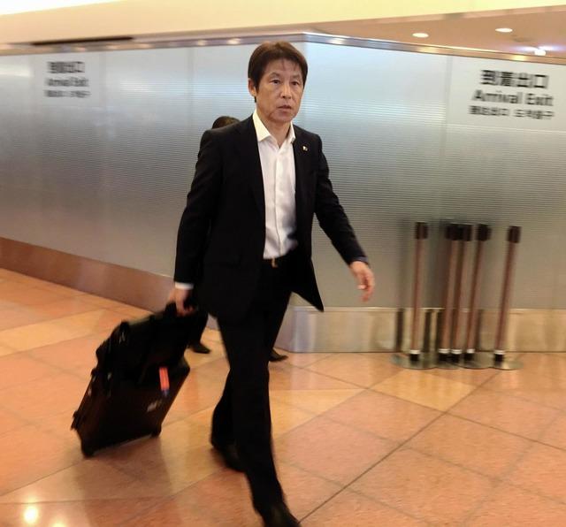 ◆日本代表◆香川真司、W杯ピンチ…面談の西野監督「厳しい状況」練習姿すら見られず