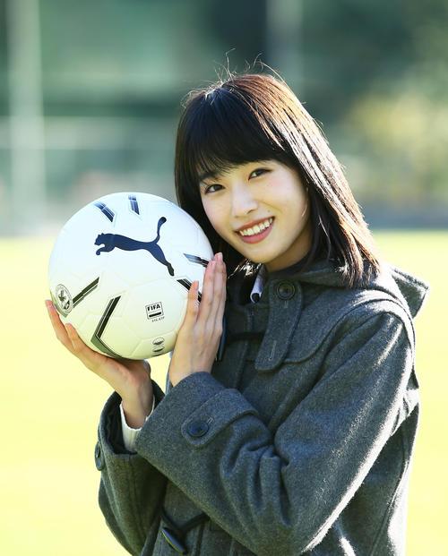 ◆高校サッカー◆14回国民的美少女コンテストグランプリの高橋ひかるが13代応援マネージャーに就任