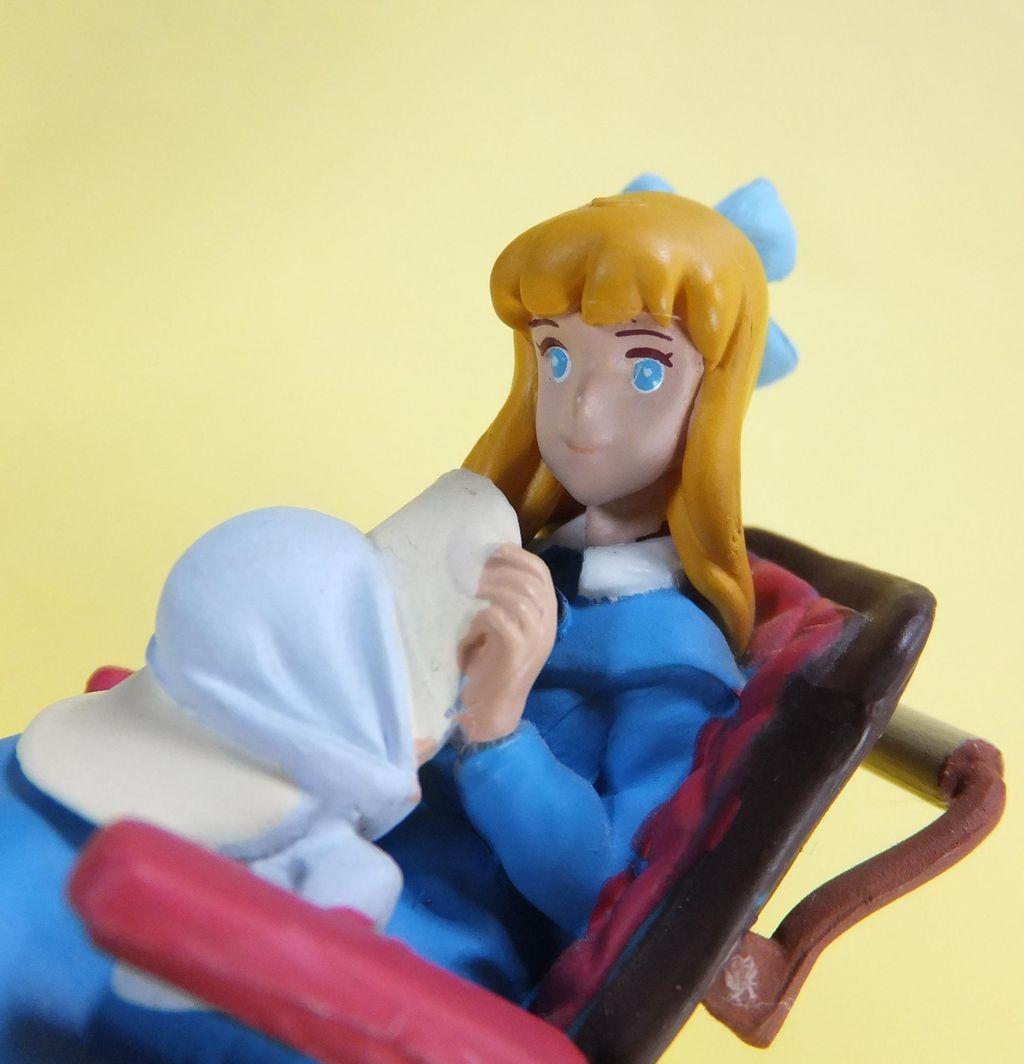 アニメ アルプス の 少女 ハイジ に 出 て くる 車椅子 の 少女 クララ の 苗字 は