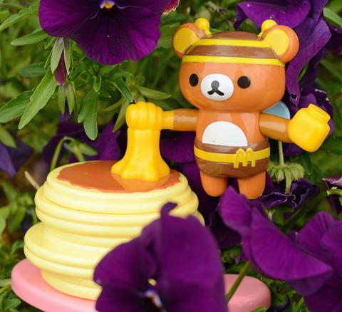 ハッピーセットリラックマ_221_プチパンケーキとみつばちリラックマ