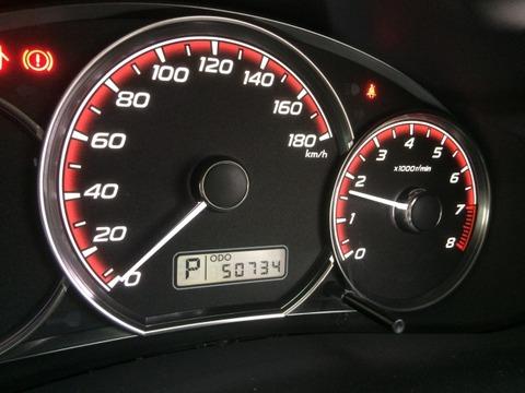 僕「車の制限速度は100km/hだからそれ以上出るように作る必要ないのでは?」→開発による回答