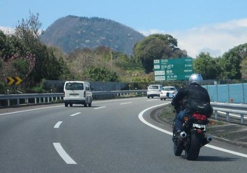 ワイバイク乗り、誤って125ccで高速に乗ってしまう
