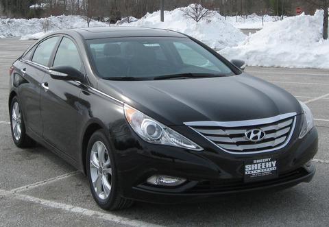 2011_Hyundai_Sonata_Limited_sn