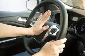 ワイ将、自動車教習中にクラクションを鳴らされるwwwwwwwwwww