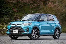 トヨタ、新小型SUV「ライズ」3万台突破 発売1カ月で