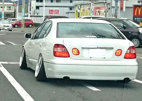 ハの字タイヤとか言うどんな車もダサくする魔法の改造wwwwwwwwwwwwww