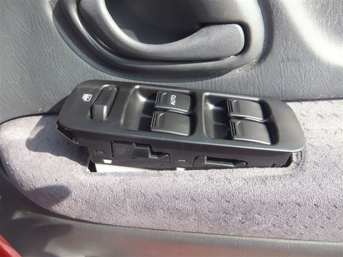 親から車もらうんだけど運転席のパワーウィンドウが壊れてる 直すべき???