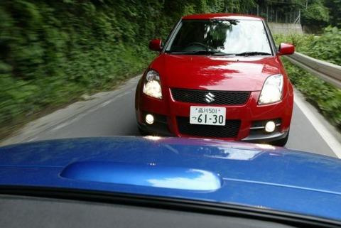 車の煽り運転してる奴って前の車からいかつい奴出てきても怖くないの?wwwwwwwwwwwwwww