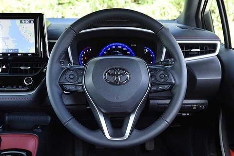 トヨタ「トヨタのロゴは他社の車乗ってる事を後悔するくらい美しいデザイン!」