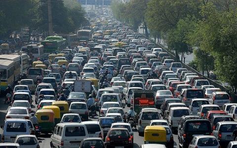 常識人(ガイジ)「オッセーなぁ~車間距離詰めろよ!!渋滞になるだろ」ワイ「いや、オマエのせいやで」