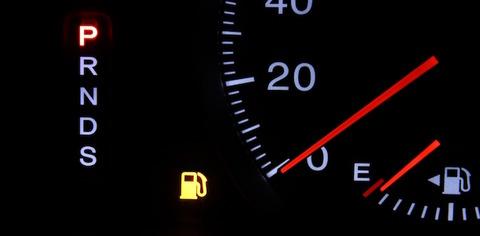 ガチで車乗ってて、高速でガソリン切れたらどうすんの?wwwwwwwwwww