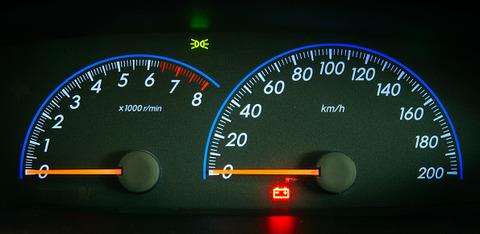 なんで日本で走るための車の最高速度が200kmとかまで出るの?wwwwwwwwwwwwww