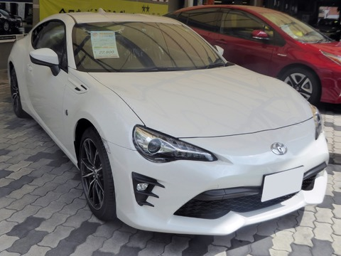 Toyota_86_GT_(DBA-ZN6)_front