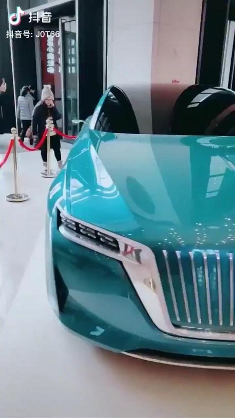 【画像】最新の中国製高級車、めちゃくちゃカッコよかった