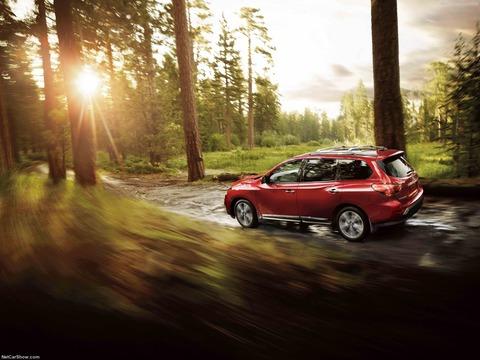Nissan-Pathfinder-2017-1600-2d