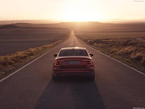 Volvo-S60-2019-1600-2f