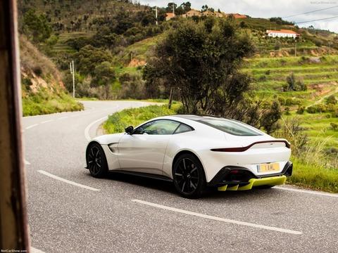 Aston_Martin-Vantage-2019-1600-32