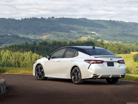 Toyota-Camry-2018-1600-32
