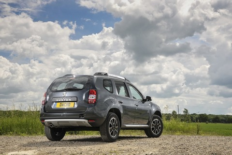 2017-Dacia-Duster-rear-three-quarters