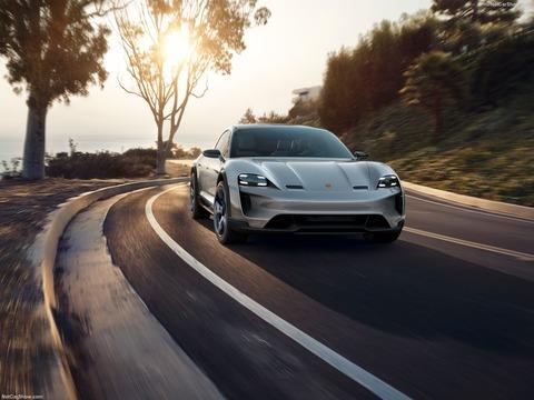 Porsche-Mission_E_Cross_Turismo_Concept-2018-1600-05