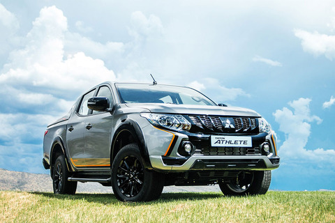 mitsubishi-triton-athlete-final-306_1800x1800