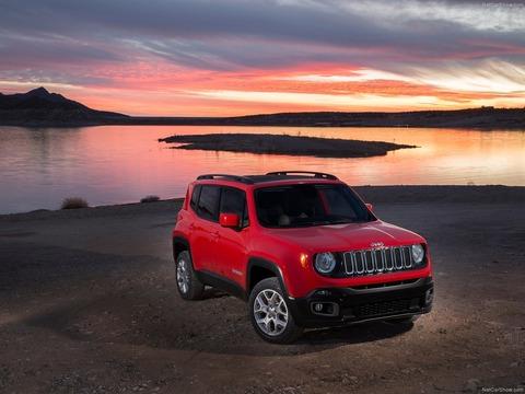 Jeep-Renegade-2015-1600-05