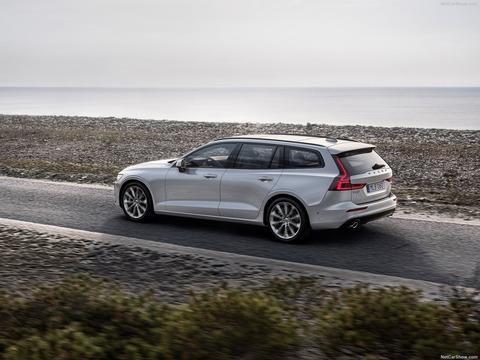 Volvo-V60-2019-1600-10