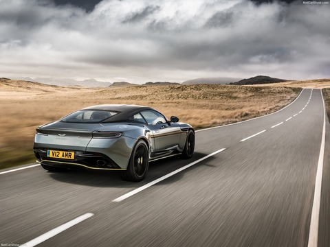 Aston_Martin-DB11_AMR-2019-1600-09