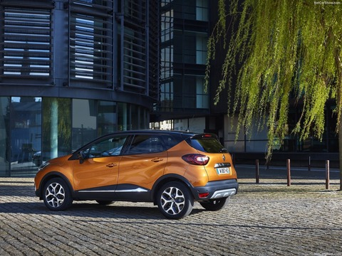 Renault-Captur-2018-1600-31