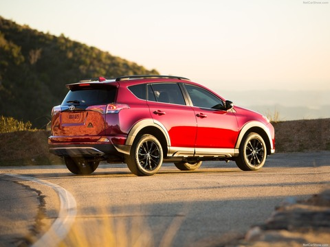 Toyota-RAV4_Adventure-2018-1600-05