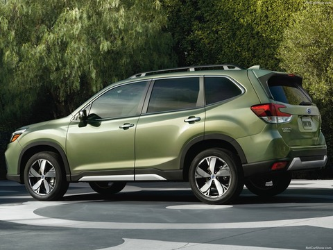 Subaru-Forester-2019-1600-0b