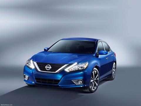 Nissan-Altima_SR-2016-1600-05