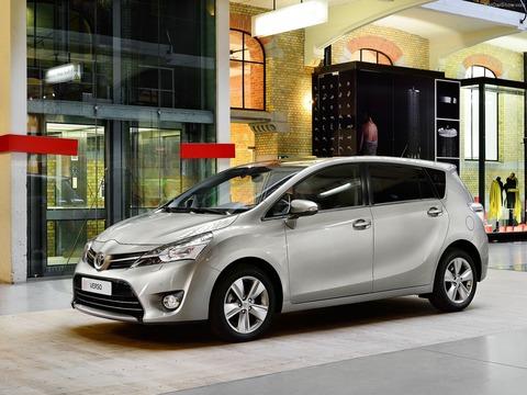 Toyota-Verso-2014-1600-01