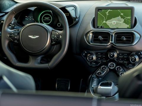 Aston_Martin-Vantage-2019-1600-52
