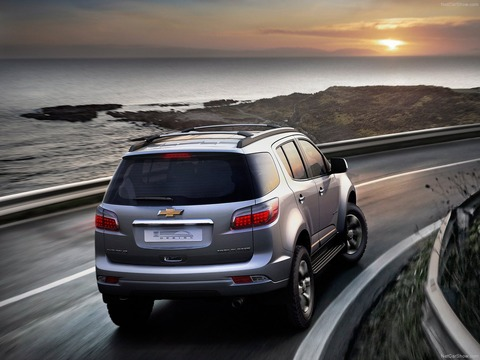 Chevrolet-Trailblazer-2013-1600-02