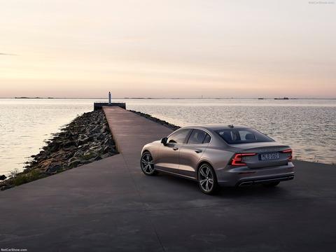 Volvo-S60-2019-1600-23