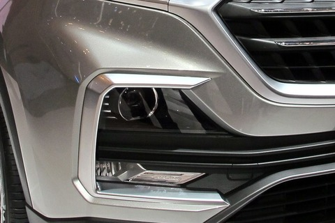 wuling-suv-front-fog-lamp-780906