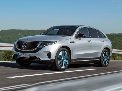 Mercedes-Benz-EQC-2020-1600-07