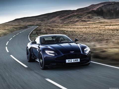 Aston_Martin-DB11_AMR-2019-1600-03