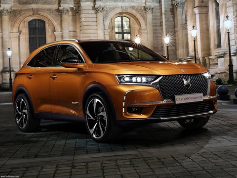 DS-7_Crossback-2018-1600-02