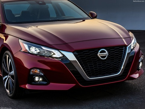 Nissan-Altima-2019-1600-12