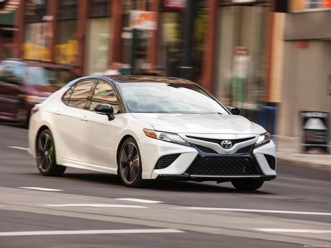 Toyota-Camry-2018-1600-1e