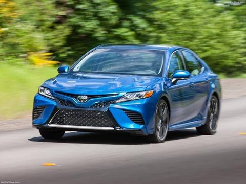 Toyota-Camry-2018-1600-1c