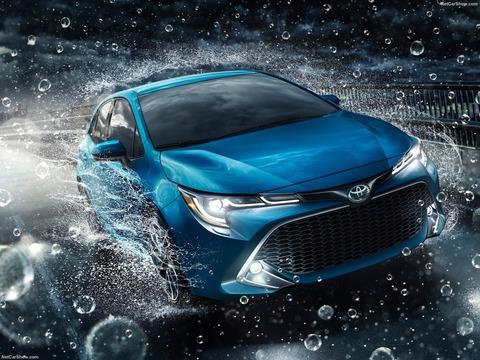 Toyota-Corolla_Hatchback-2019-1600-08
