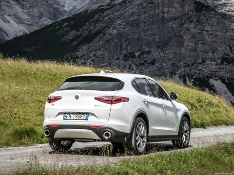 Alfa_Romeo-Stelvio-2018-1600-75