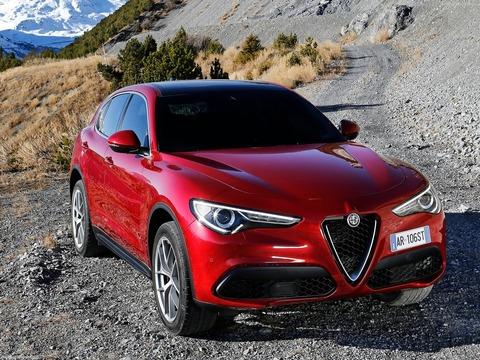 Alfa_Romeo-Stelvio-2018-1600-05